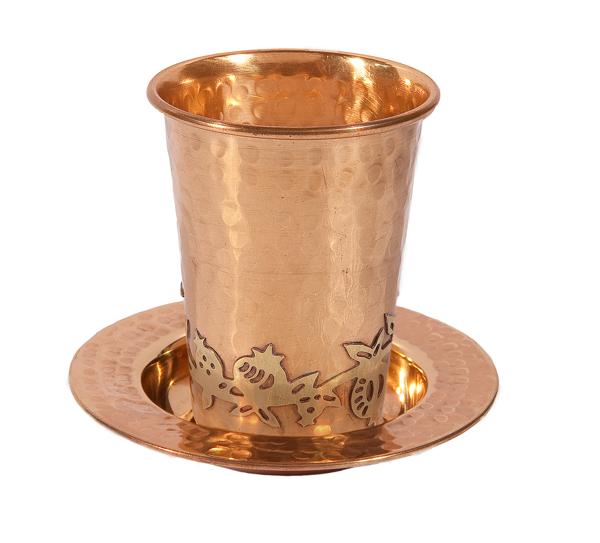 Picture of כוס קידוש נחושת - עבודת פטיש + עיטור רימונים - CUW-2 | יאיר עמנואל