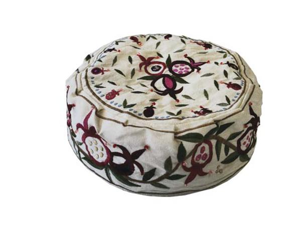תמונה של כובע רקמה - רימונים לבן - HME-2W   יאיר עמנואל