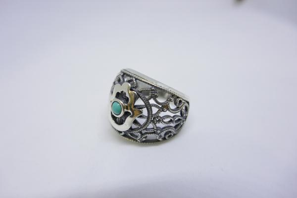 Picture of טבעת כסף תחרה בשילוב חמסה ואבן עין החתול |